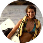 Laury Thilleman ambassadrice Surfrider