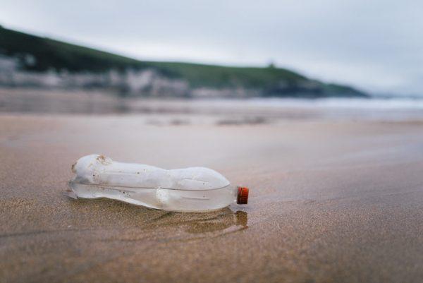pollution bouteilles plastique